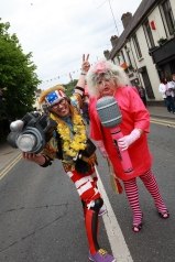 SUMMER FESTIVAL ENTERTAINMENT FORM STREET ACTS